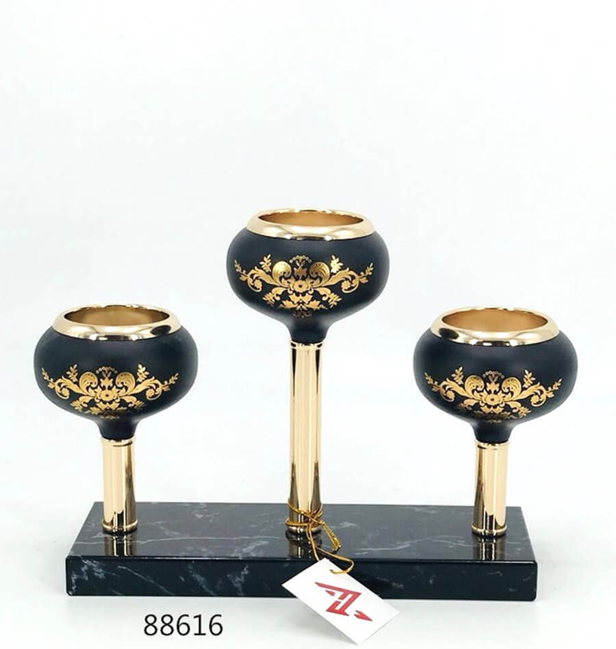 black and gold metal candle holder 88616
